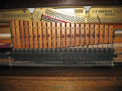 "Late style xylophone with 7/8"" beaters, typically found in all models E, K, KT, and KT Special from 1923 onward."