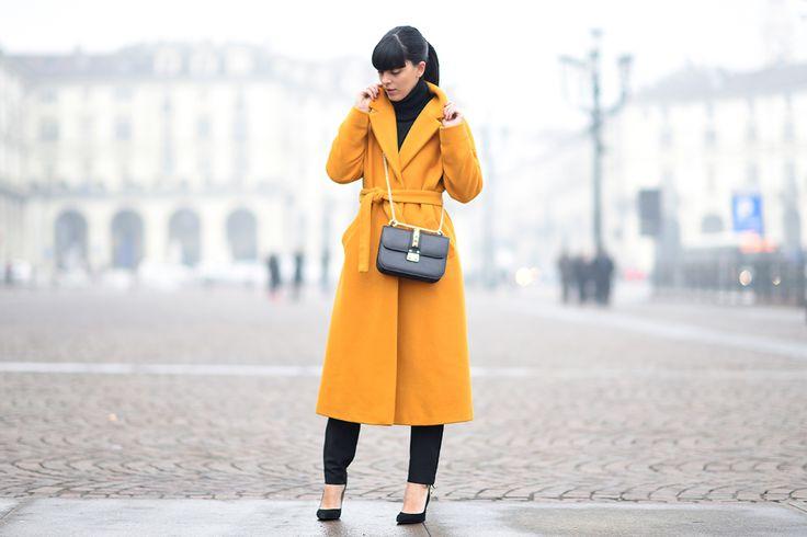 Tendenza colori 2016 secondo Pantone: Un cappotto giallo Buttercup