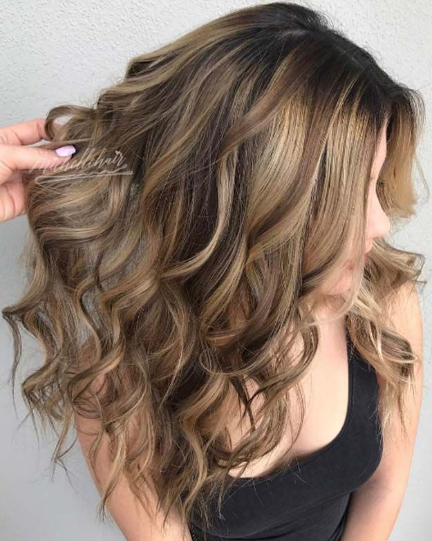 Best Dark Brown Hair with Blonde Highlights. hair color fall, Great hair I'm going to have my hair like that one day everyday.