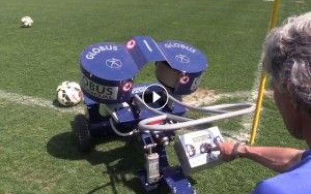 Un robot che spara palloni per gli allenamenti di calcio #tecnologie