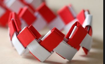 Did you see this Canada Day bracelet tutorial? Tweens would like this.