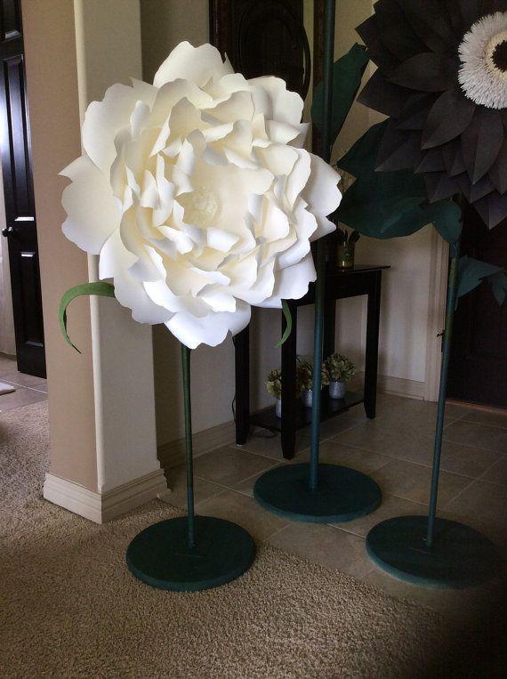 best 25  giant flowers ideas on pinterest