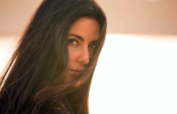 Katrina Kaif is 'deserted' on the sets of Tiger Zinda Hai – view pic #FansnStars