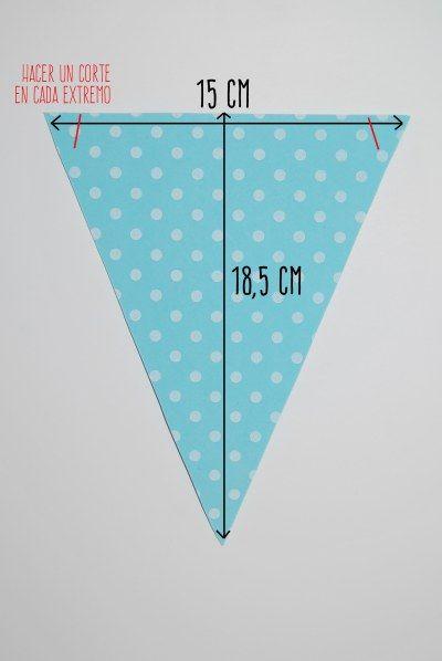 Hoy vamos a hacer algo sencillo, pero muy vistoso: un banderín para decorar fiestas o la habitación de los niños. El material que he elegido es la