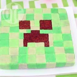 Jij of je kinderen ook zo gek van het spel Minecraft? Een echte Minecraft taart, een Minecraft Creeper taart om precies te zijn ;-)