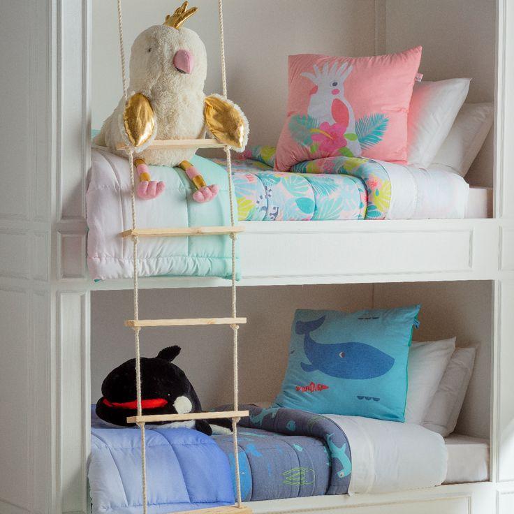 Nuestros nuevos Cobertores de Jersey Estampado son perfectos para entretenidas noches de sueño, ya que tienen motivos de la selva tropical y la vida marítima. Busca nuestros cojines para complementar su dormitorio.
