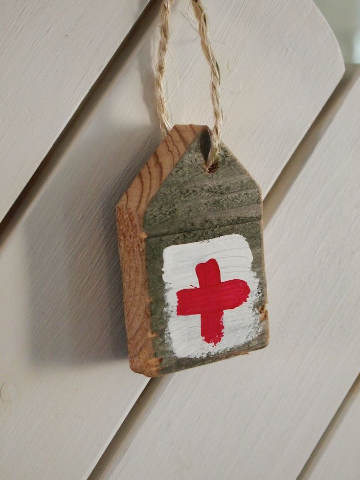 het rode kruis   leuk van een stukje steigerhout
