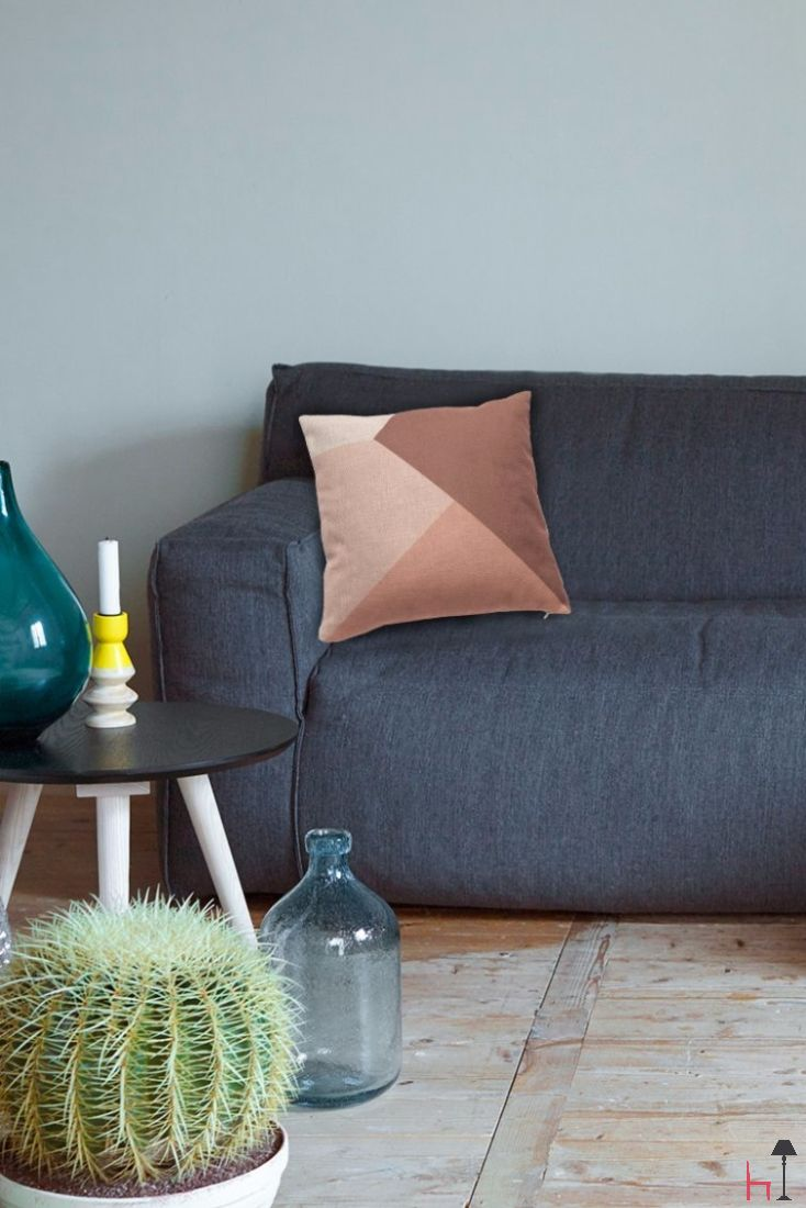 The Sep Red pillow by Fest Amsterdam will decorate your home with good taste and style.