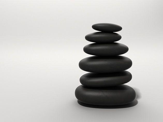 LOSLASSEN - ENTSCHLEUNIGEN - ENTSPANNEN - RUHE - ZENTRIEREN #Entspannungstechniken | #Stress | #Stressbewältigung | #Erschöpfung | #Ruhe | #Loslassen | #Entschleunigen 1. Anspannung und Entspannung. 2. Körperliche Stressreaktionen. 3. Wozu Loslassen, Entschleunigen und Entspannen? 4. Unsystematische Entspannung. 5. Systematische Entspannung. 6. Anwendungsbereiche von Autogenem Training und Progressiver Muskelentspannung nach Jacobsen. 7. Wichtig. 8. Empfehlungen. www.laufinstinkt.de