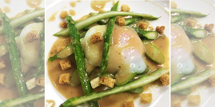 Uovo pochè, asparagi e salsa al foie gras - Ricetta dello Chef Fulvio Siccardi
