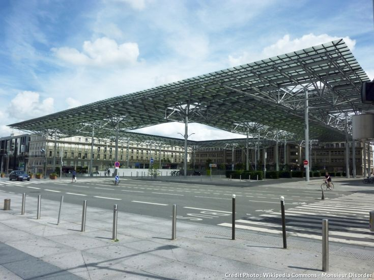 Amiens Train Station and its canopy (Somme)