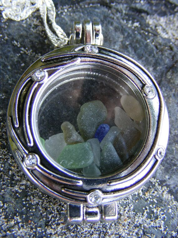 Authentic Sea Glass Locket Necklace ($10 off until 08/20 with coupon code GRANDOPENING10)  #seaglass #seaglassjewelry #beachglass #beachglassjewelry #shophandmade #seaglassgrotto