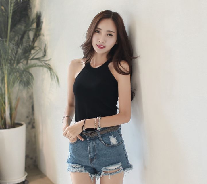 Loveliness of the female clothing shop. [Whitefox] Light knit thumb / Size : FREE / Price : 23.80 USD Sexy Halter neck style with a cool texture and feel of the item Saguaro. #sleeveless #sexy #tops #summer #koreafashion #womanfashion #dailylook #chic #OOTD #WHITEFOX