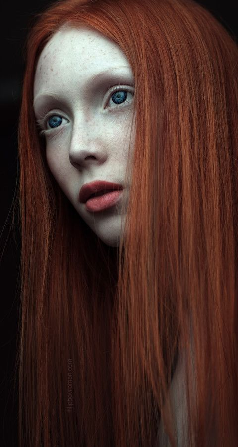 N by Roman Filippov on 500px interesting contrast between skin tone, eye color, and hair color. Contrast and background included.