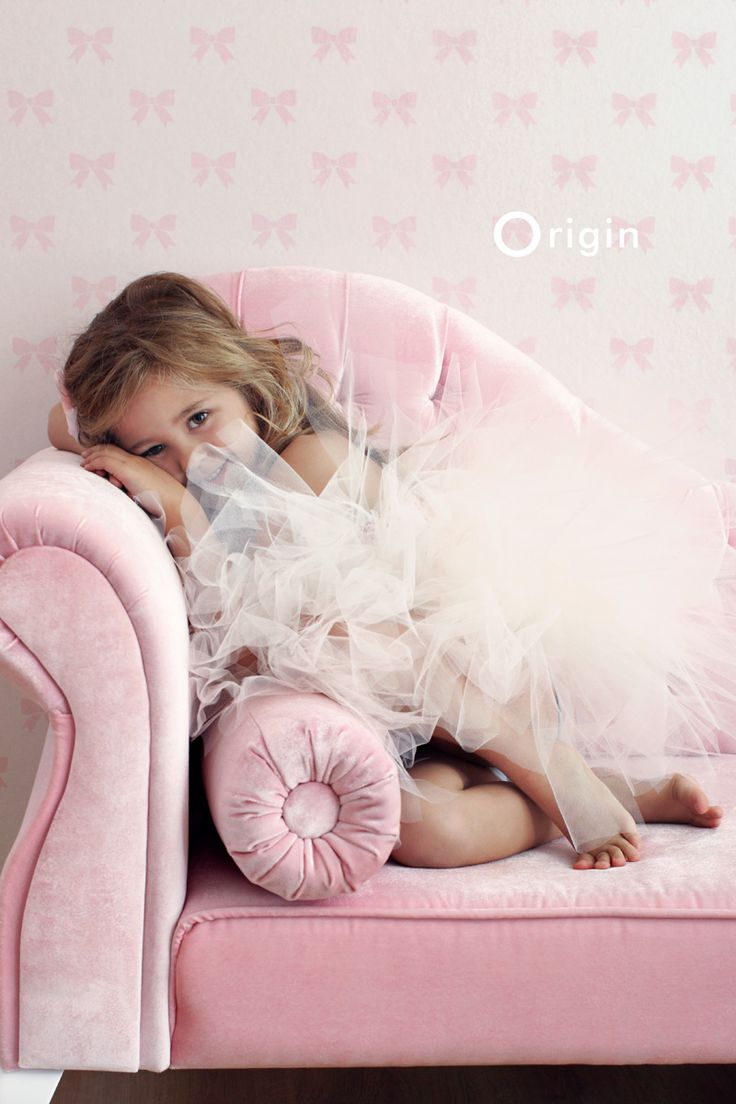Light Pink Wallpaper For Bedrooms 17 Best Images About Mollys Wallpaper On Pinterest Butterfly