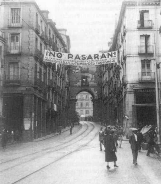 """""""..Μιλάω σε σένα Μαδρίτη κάρβουνα σαν και μας καρφωμένη απ' τις μαυριτάνικες λόγχες, Μαδρίτη αγαπημένη, οδόφραγμα δικό μας.  Πέφτοντας κάπου μα πάντα νικώντας...""""  Tίτος Πατρίκιος-Ανοιχτά Σύνορα.."""