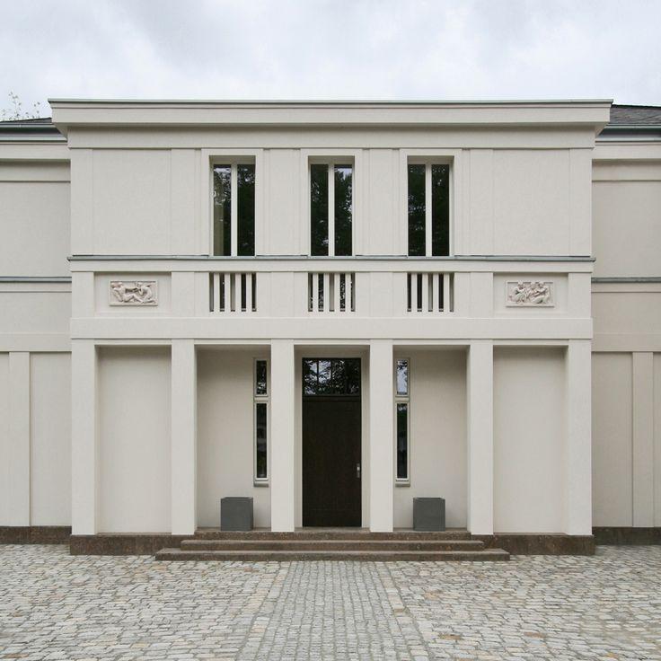 http://www.vogelarchitekten.de/projekte/fullscreen/grosszuegige-villa-seeblick.php?bild=11