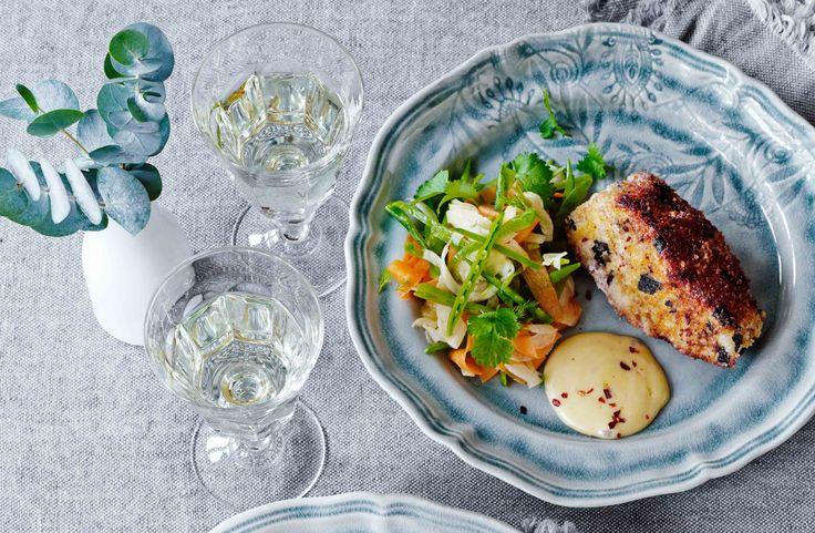 Panko- och noripanerad skrei med sojamajonnäs och marinerade grönsaker