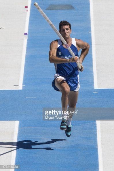 El atletismo es también otro de los deportes Argentina juegue. Aquí, German Chiaraviglio de Argentina compitió en los hombres de salto con pértiga durante el X Juegos Suramericanos Santiago 2014.
