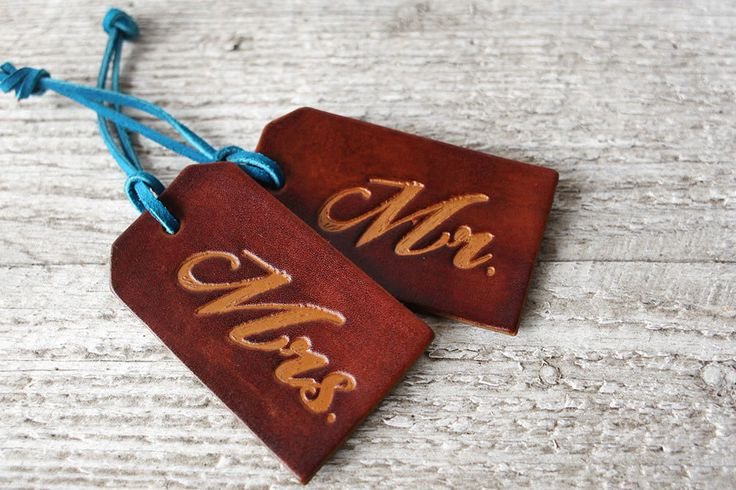 Luggage tags - leather gift ideas for your third wedding anniversary
