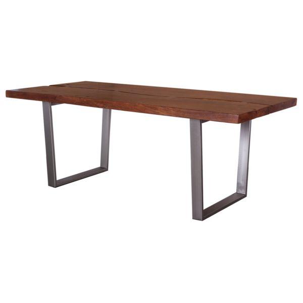 Χειροποίητη τραπεζαρία από ξύλο πεύκου σε καφέ απόχρωση με μεταλλική βάση σε ασημί απόχρωση. Ένα μοντέρνο και λιτό έπιπλο που θα αναβαθμίσει την αισθητική του χώρου σας.  Διαστάσεις προϊόντος: 180Χ85Χ75