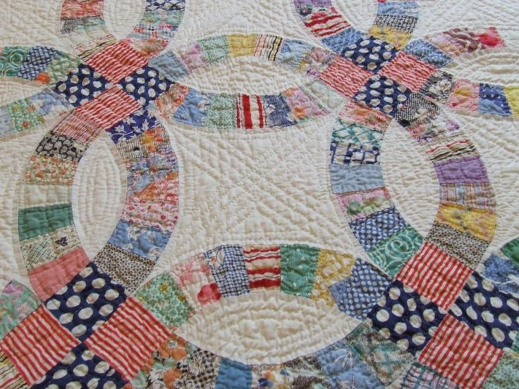 Traditional Hand Quilting Patterns : 78 best images about Stitching on Pinterest Hand quilting designs, Feathers and Quilt