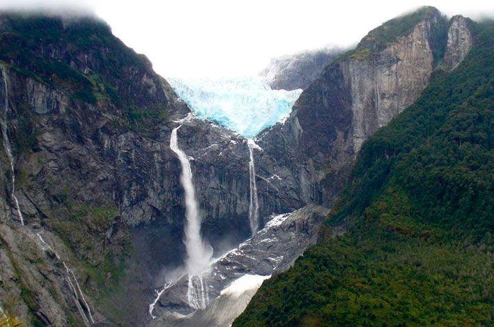 Ventisquero Colgante en Parque Nacional Queulat. En el Flickr de betoscopio