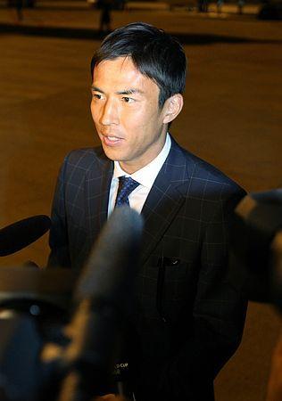 ブラジルのカンピーナスに到着し、記者の質問に答えるサッカー日本代表の長谷部=7日 ▼8Jun2014時事通信|日本代表、ブラジル入り=長谷部「最高の準備を」〔W杯〕 http://www.jiji.com/jc/zc?k=201406/2014060800021 #Makoto_Hasebe