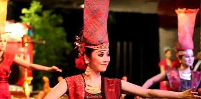 MEDAN, (TubasMedia.Com) - Penduduk asli Sumut yang terdiri dari delapan etnis, menjadikannya kaya dengan budaya dan kesenian daerahnya.