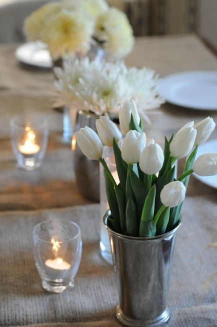 Simple, elegant table setting. White flowers and tea lights in glasses.Ideas, White Flowers, Tables Sets, Colors, Candles, Dinner Parties, White Tulips, Cupcakes And Cashmere, Flower Types