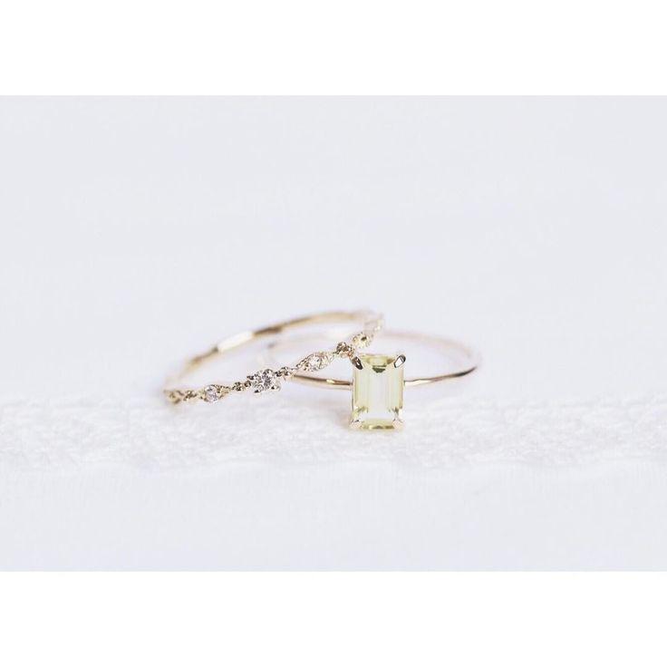 レモンクォーツと眩いダイヤリング。  .  #cuicui #tokyojewelryshop #skinjewelry #goldjewelry  #delicatejewelry #ringgram #stackring #showmeyourrings #diamondband #シンプルな暮らし #手元のおしゃれ #リング #リング重ね付け #重ね付けリング #華奢リング #ギフト #プレゼント #レモンクォーツ #バゲットカット #