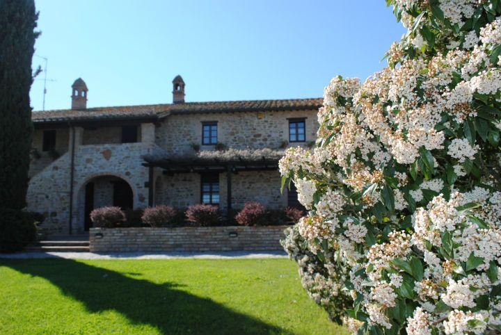 Villa Farneto Country House www.villafarneto.it