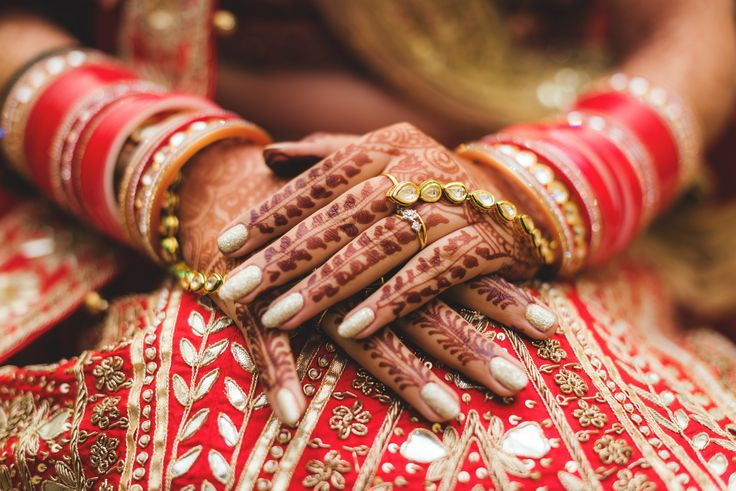 Gold shimmery nails for Bride Mukta. Photo Courtesy: B Mukta P Mrinal Khatnani Photography