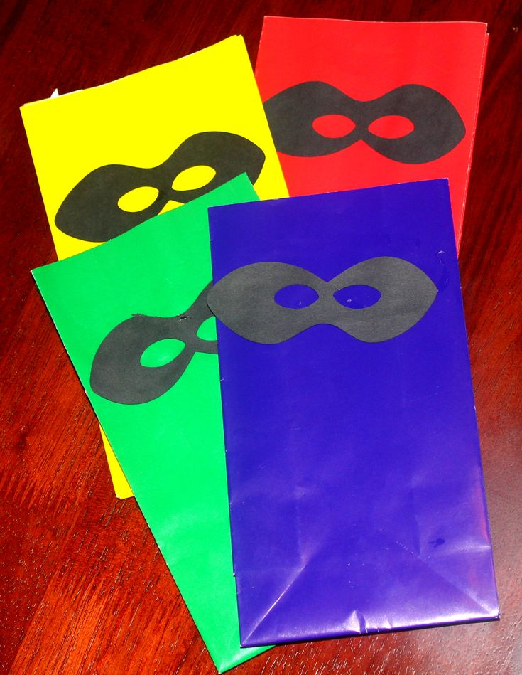 Super Hero Party L- treat sacks