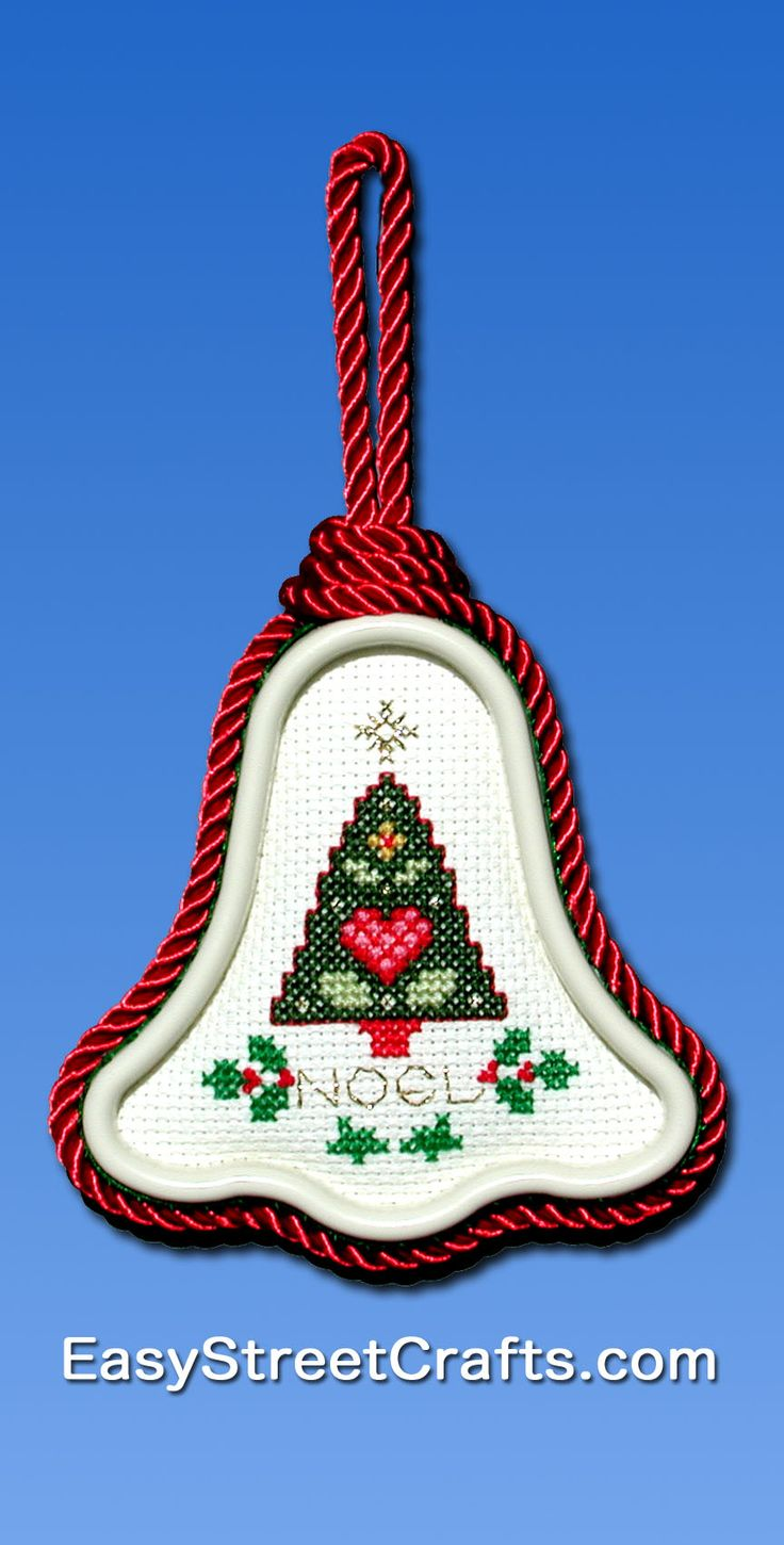 STITCH A PRETTY LITTLE CHRISTMAS TREE WITH BERRIES AND HOLLY TOPPED WITH A SHINY STAR