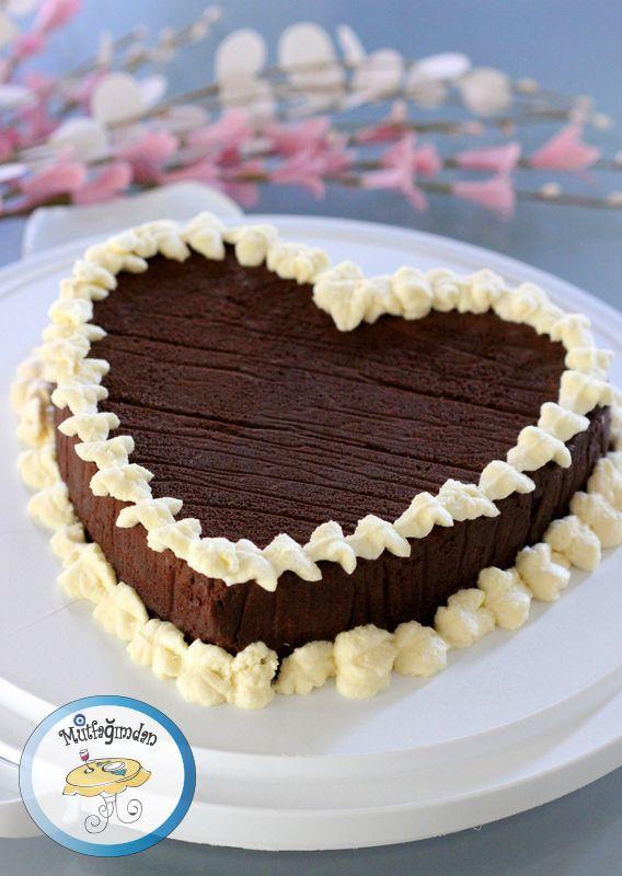 Cikolatali Kek - Roberta Heart Cake - Martha Stewart's Roberta Heart ...