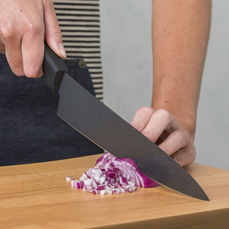 CRYOGENIC KNIVES SET They̥ are constructed with ergonomic easy-grip handles and gently weighted blades to create the ideal balance for clean cutting perfection. #CryogenicKnifes #Knifes #CryogenicKnife