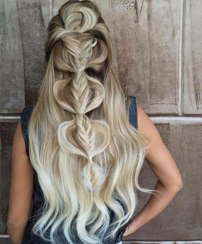 Flechtfrisur für feine Haare – Vordersträhnen ge…
