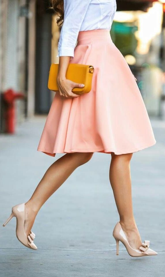love this peach flared skirt <3