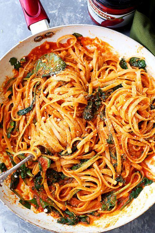 Red Pepper Sauce Pasta with Spinach and Feta Really nice  Blog: Alles rund um die Themen Genuss & Geschmack  Kochen Backen Braten Vorspeisen Hauptgerichte und Desserts #hashtag