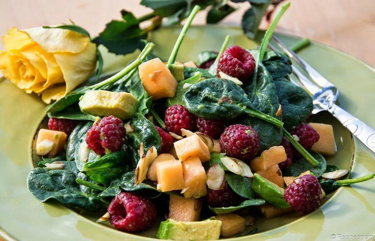 Recipeonism: Салат с малиной, дыней и авокадо