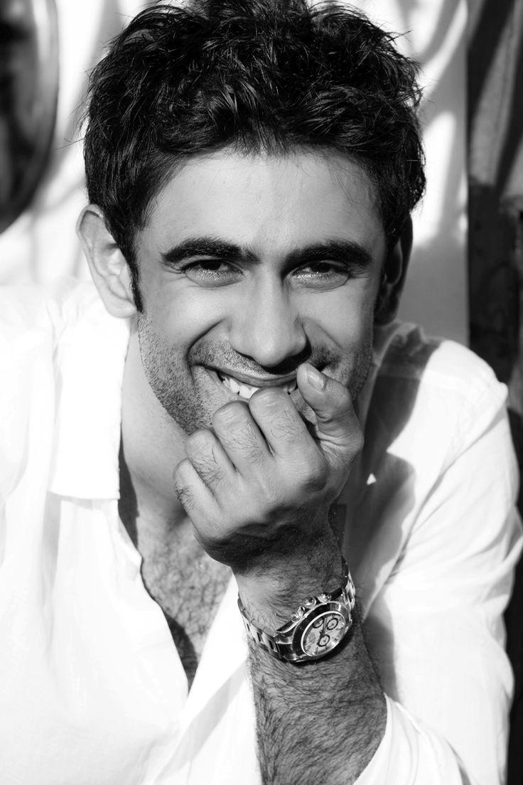 Umm..Hello! Amit Sadh