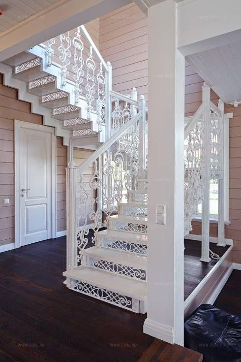 Крашенная чугунная лестница: Коридоры, прихожие, лестницы в Классический. Автор - ODEL