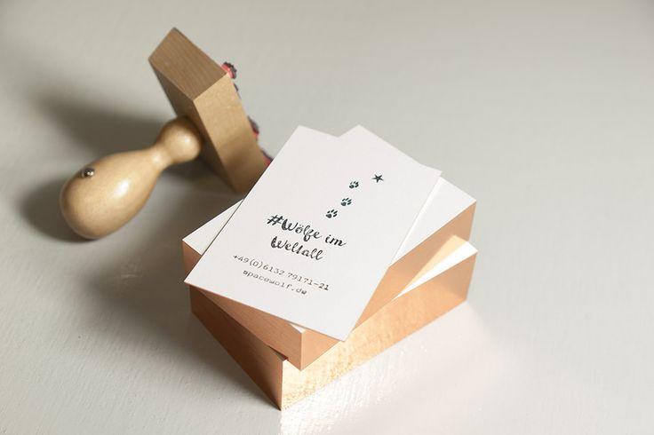 Ein interessantes Angebot der Wolf-Manufaktur. Blanko-Visitenkarten mit vier Folien zur Auswahl: Gold, Silber, Kupfer und Diffraktionsfolie. Papier Metapaper Extrarough 430 g Format 85 x 55 mm Preis 27 Euro für 50 Stück Druckerei Wolf-Manufaktur