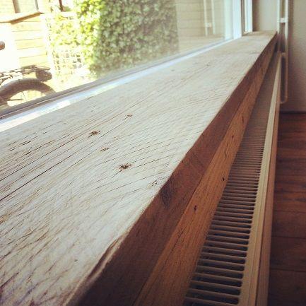 vensterbank van gebruikt steigerhout. www.woody-woody.nl