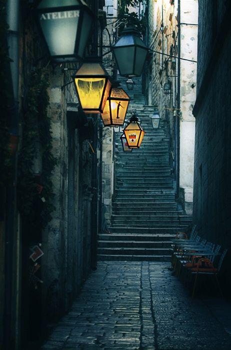 street lightsStreetlamps, Dubrovnik Croatia, Dark Places, Lights Architecture, Ate Lamps, Street Lamps, Dark Alleyways, Diagon Alley, Street Lights