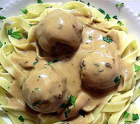 Meatballs in Sour Cream Stroganoff Sauce Recipes