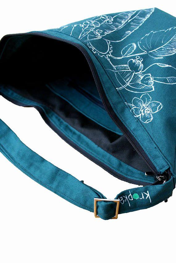 Green waterproof bike bag OOAK bag hand painted purse #bikebag #zipper #bagwithzipper #ooak #handpainted #tattoo #kropkadesign #torbanarower