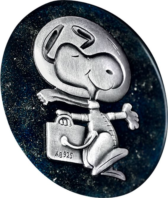 La Cote des Montres : La montre Omega Speedmaster Apollo 13 Silver Snoopy Award - Un hommage au 45e anniversaire du sauvetage de la mission Apollo 13 - http://www.lacotedesmontres.com/actu/La-montre-Omega-Speedmaster-Apollo-13-Silver-Snoopy-Award-Un-hommage-au-45e-anniversaire-du-sauvetage-de-la-mission-Apollo-13-No_10901.htm