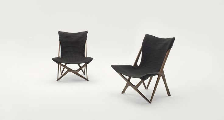 Lella - Folding lounge chair made of wood and fabric.